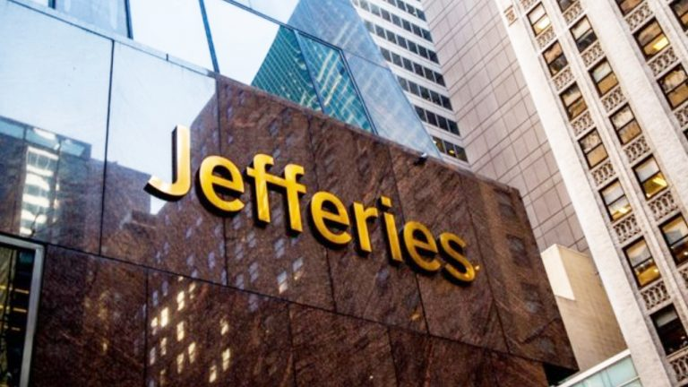 Jefferies Equity Strategist Expects 'Accommodating' US Crypto Regulation Unlike China's 'Authoritarian Model'